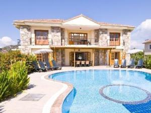kiralık villa Alaçatı 7000 TL