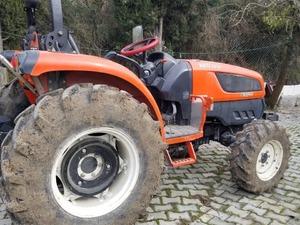 Çok temiz 2012 model 4 X 4 50 beygir 2500 saatte Kioti traktör