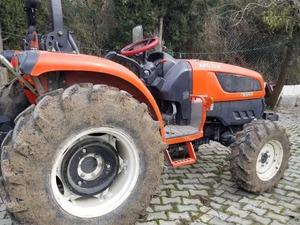 4 çeker Kioti Traktör 2012 model 50 beygir 2500 saatte